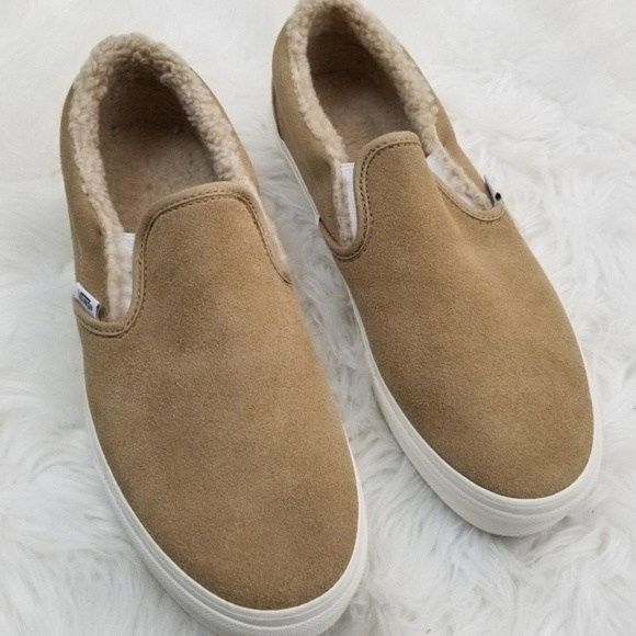 b4793b79b92258 Vans Slip On Ivory Tan Suede Faux Fur 10.5